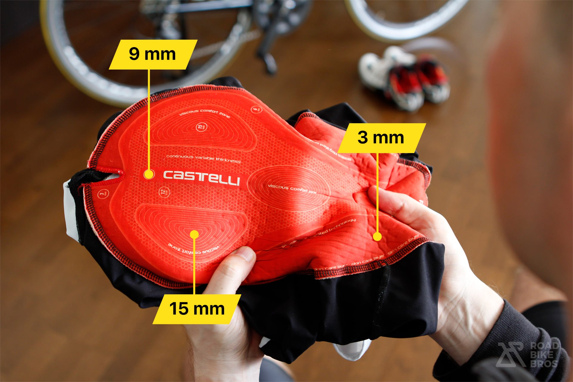 How To Choose Comfortable Bib Shorts Castelli Progetto X2 Air Chamois Padding