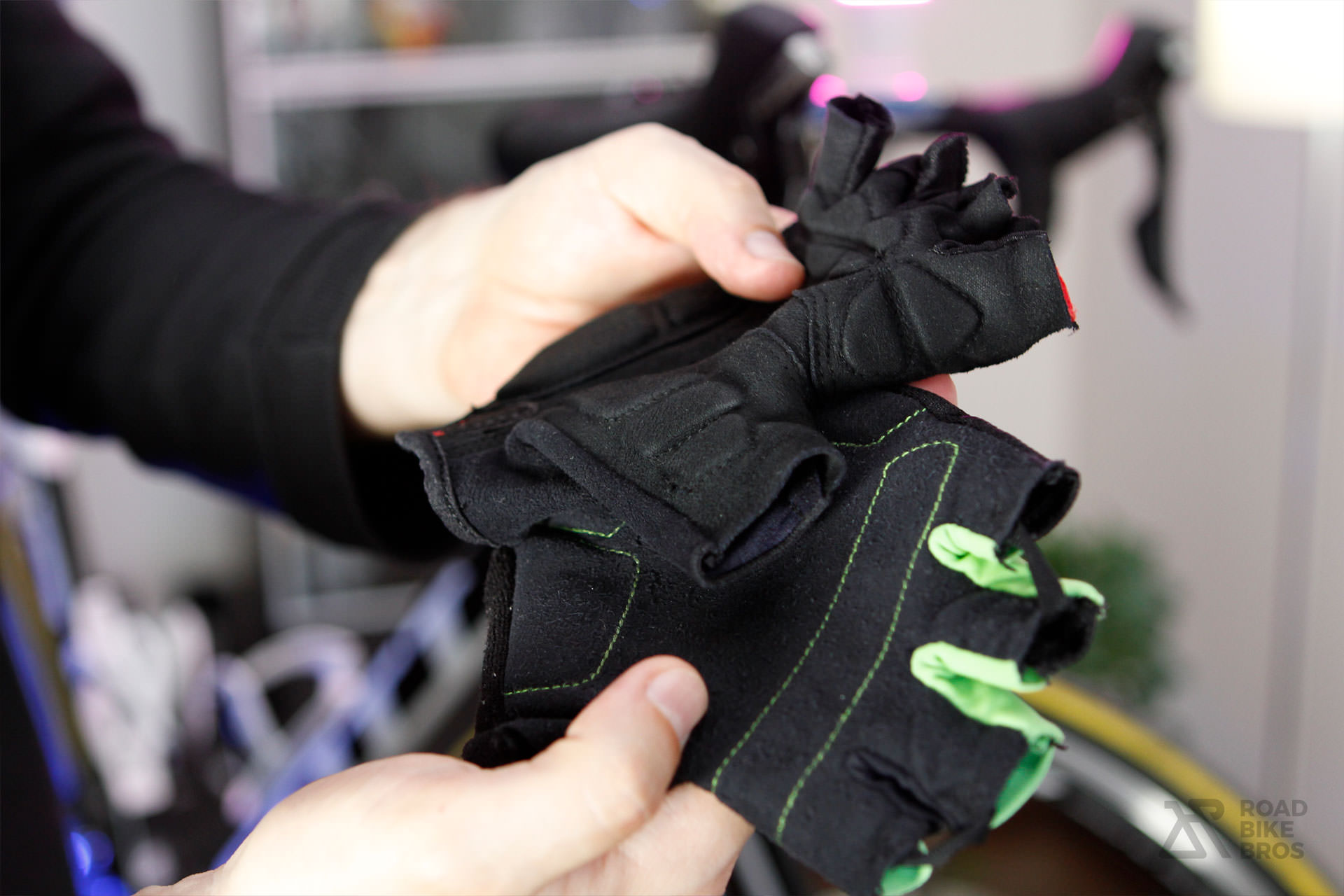 How-To Increase Comfort Road Bike Gloves Padding Vibration Scott